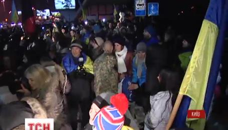 Ночью домой в Житомирскую область вернулись 44 десантника 95 аэромобильной бригады