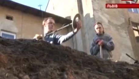 В центре Львова откопали уникальные археологические находки