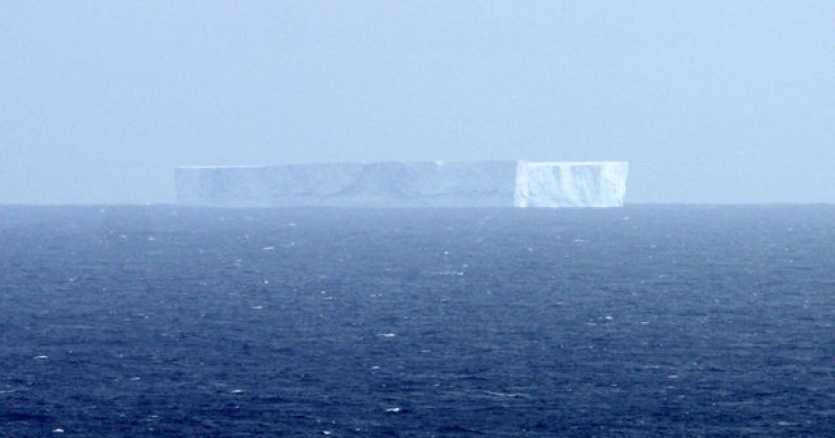 Айсберг возле Маккуори @ aad.gov.au