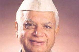 Индийский 86-летний политик уволился из-за сексуального скандала