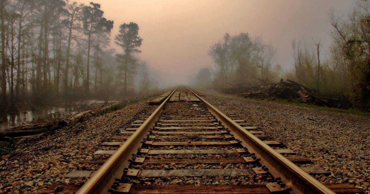 Под колесами поездов на Киевщине погибли трое людей