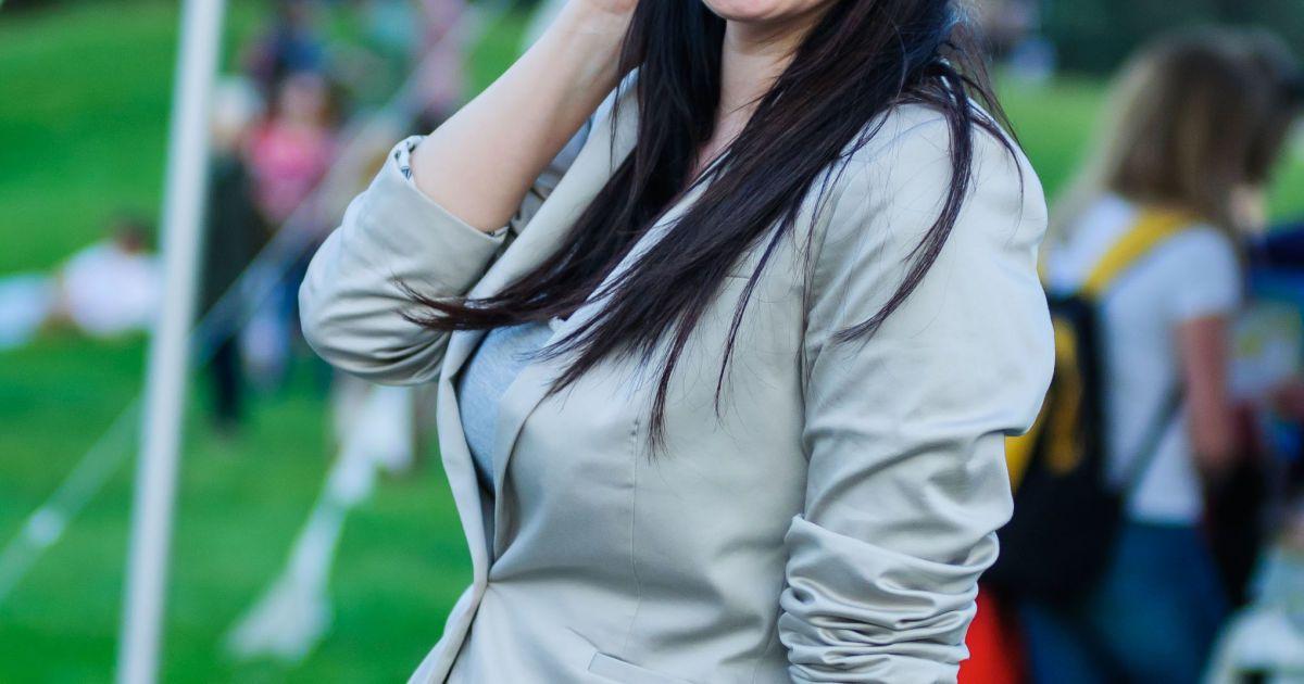 Сорочка, джинсы и пальто: Рианна вновь показала, что не вписывается в общепринятые рамки приличия рекомендации