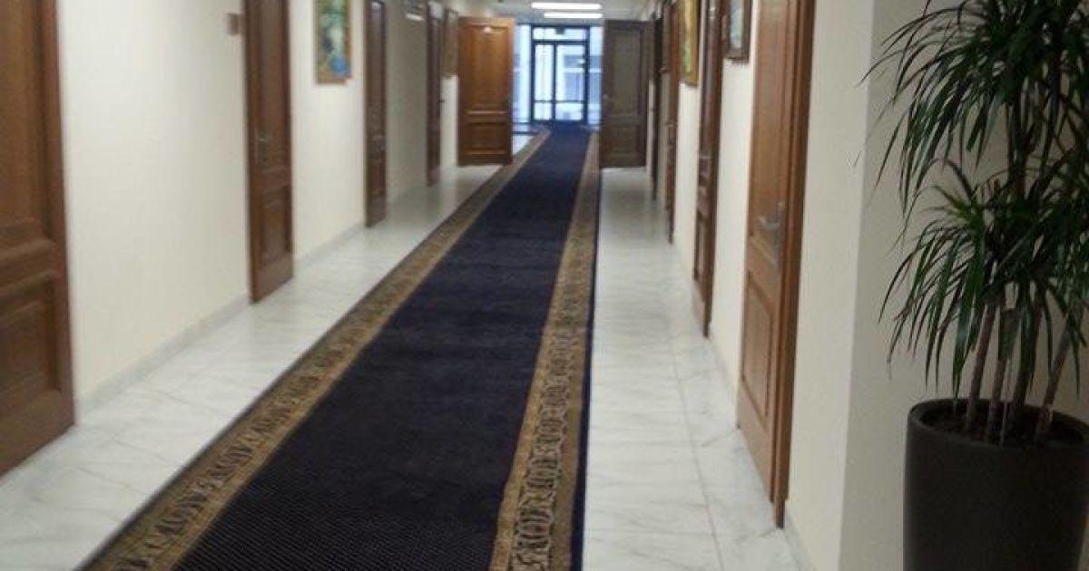 До робочих апартаментів Пшонки пускали не всіх заступників @ ТСН.ua
