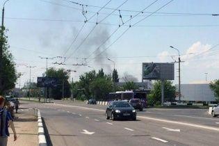 В Донецке рядом с аэропортом летают военные вертолеты и слышны взрывы