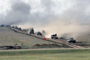 Украинские военные провели грандиозные учения с танками, истребителями и взрывами бомб
