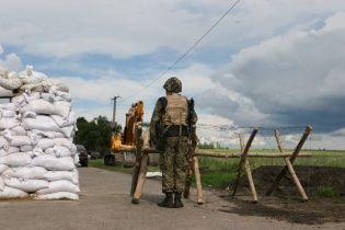 На Харьковщине на пунктах пропуска через границу с Россией начали копать защитные траншеи
