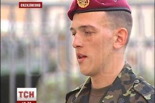 Опытный караульный рассказал, почему потерял сознание возле Порошенко