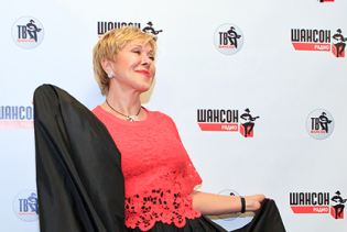 """На врученні """"Шансону року"""" 60-річна Успенська вразила молодістю, а Ваєнга - жіночністю"""