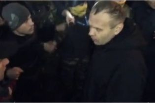 """Появилось видео, где Асавелюк насмехается над безоружными майдановцами под стенами """"Днепра"""""""