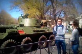 Пользователи интернета сняли, как российская армия заходит в приграничный с Украиной город