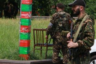 Смертник-терорист підірвав мікроавтобус біля блокпосту силовиків на Донеччині – Тимчук