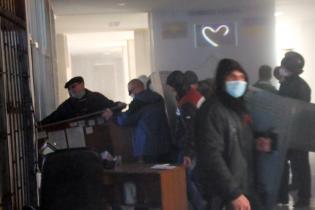 Сепаратисты ночью захватили штурмом СБУ в Донецке - СМИ