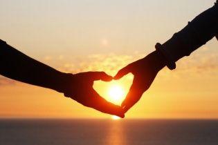 Психологи стверджують, що алкоголь і любов діють однаково