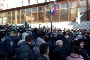 Аваков переконує, що правоохоронці звільнили будівлю Харківської ОДА від сепаратистів