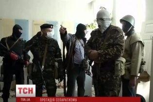 Луганские сепаратисты обещают выставить женщин перед баррикадами в случае штурма СБУ
