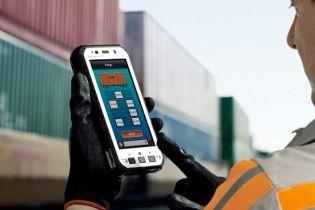 Panasonic випустила свої монструозні напівкілограмові смартфони для суворих умов