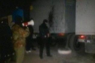 """В Мариуполе бойцы """"Альфы"""" зачищают город от вооруженных сепаратистов"""