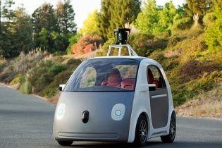 Google створив автомобіль-робот без керма і педалей