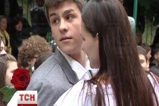 "17-летний сын Тягнибока окончил школу и ""метит"" в политику"