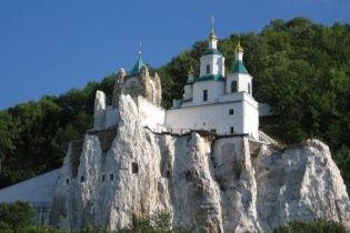 В УПЦ МП переконують, що Святогірська Лавра не перетворюється на фортецю сепаратистів
