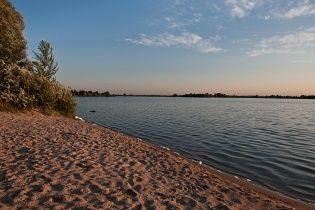 На Рівненщині в озері потонули батько і син, яких затягнуло у водоверть