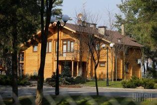 Мисливська резиденція Януковича перетворилась на зону для туристів