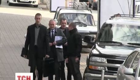 Ярош з'явився на прес-конференцію на автівці Януковича