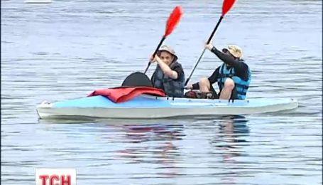 Двоє київських барменів хочуть на веслах проплисти увесь Дніпро
