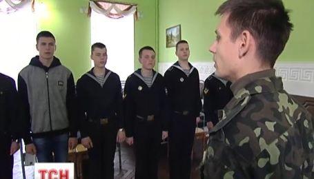Кримський атестат отримають випускники, які довчаться в Україні