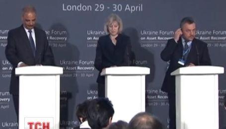 Аваков в Лондоне разбирается, как вернуть украденные у Украины миллионы