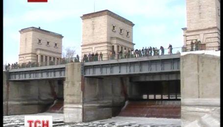 Украина втрое сократила водоснабжение в Крым