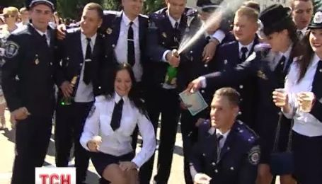 Національна академія випустила 700 молодих офіцерів