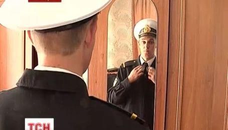 """В Черкассы вернулись моряки с героического тральщика """"Черкассы"""""""
