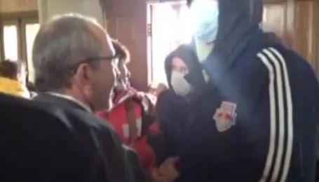 У Харкові біля захопленої сепаратистами ОДА відбуваються два мітинги