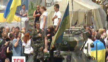 """На народном Вече собрали 4 автобуса добровольцев в батальон """"Донбасс"""""""