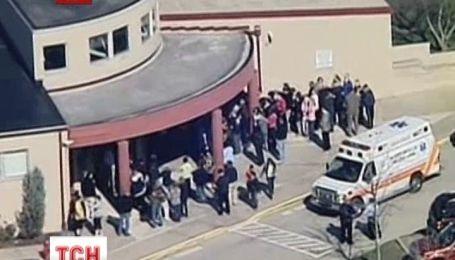 У США школяр підрізав два десятки учнів