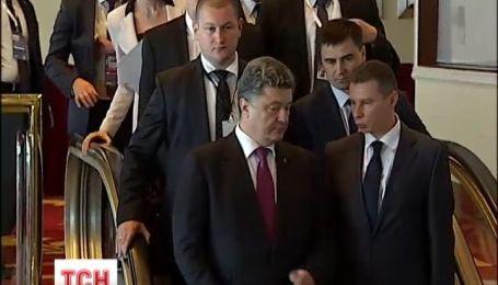 Петра Порошенка запросили на вечерю з Меркель