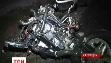 Чотири людини загинули у результаті потрійної аварії на Житомирщині