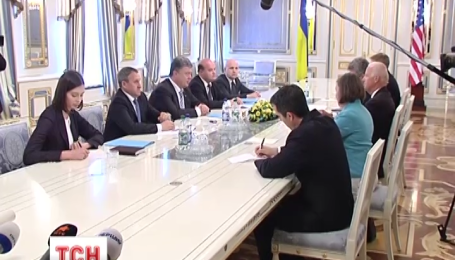 Петро Порошенко вже побував на своєму робочому місці