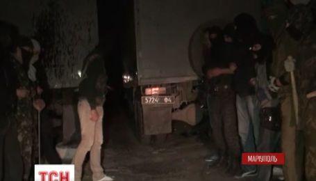 В Мариуполе вооруженные диверсанты пытались штурмовать военную часть