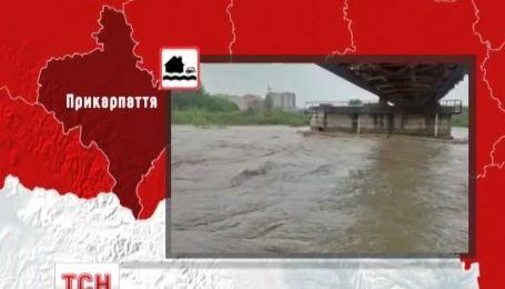 Балканский циклон принес непрерывные дожди на Прикарпатье