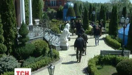 У маєтку Пшонки поселились кримські біженці