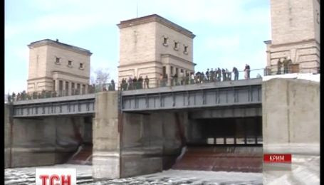 В Крыму недополучают воду из-за заминированных полей