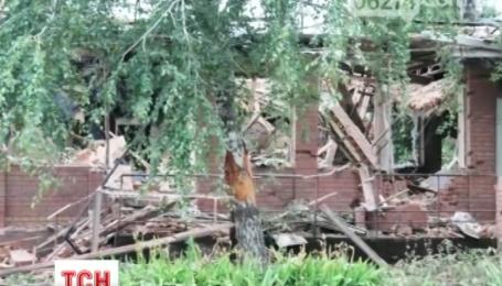 В Артемівську терористи штурмували місцеву танкову частину
