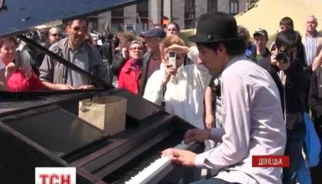 В Донецке немецкий композитор дал концерт для сепаратистов