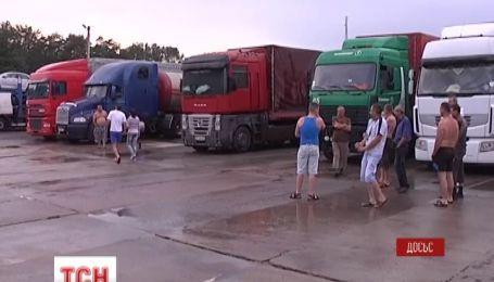 Российские дальнобойщики угрожают перекрыть феодосийскую трассу