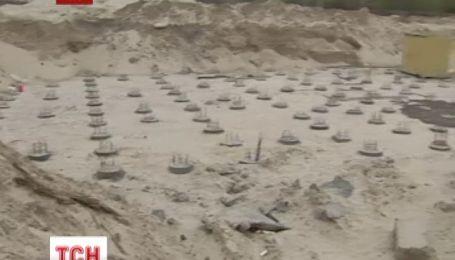 На Троєщині мешканці вимагають зупинити незаконне будівництво