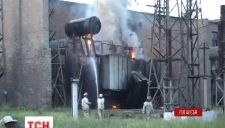 На Луганщині бойовики обстріляли підстанції двох підприємств