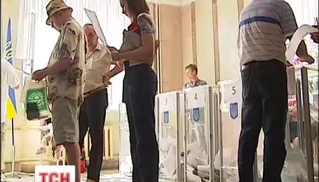 Более 60% украинцев приняли участие в выборах.