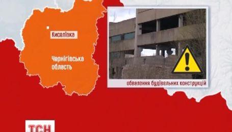 Два человека погибли на Черниговщине из-за обвала заброшенного здания